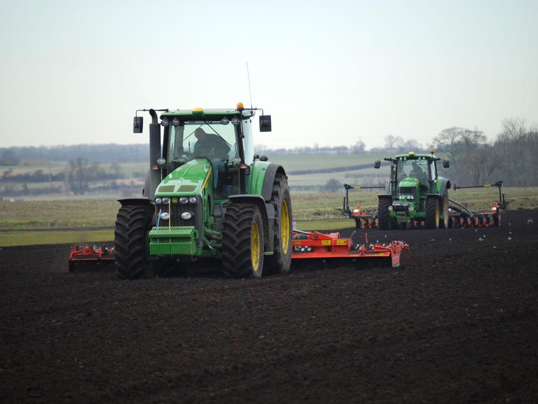 collmart-gallery-field-tractor2
