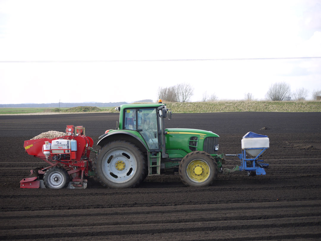 collmart-gallery-field-tractor3