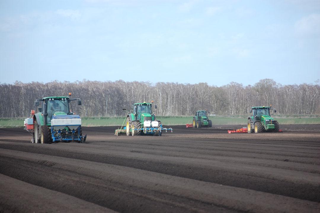collmart-gallery-field-tractor4